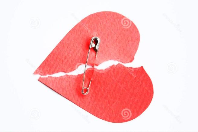 nano safety pin heart